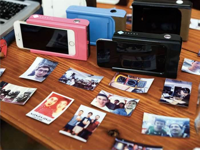 This smartphone case lets you print out photos