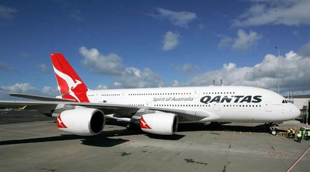 Qantas to sack 450 call centre workers