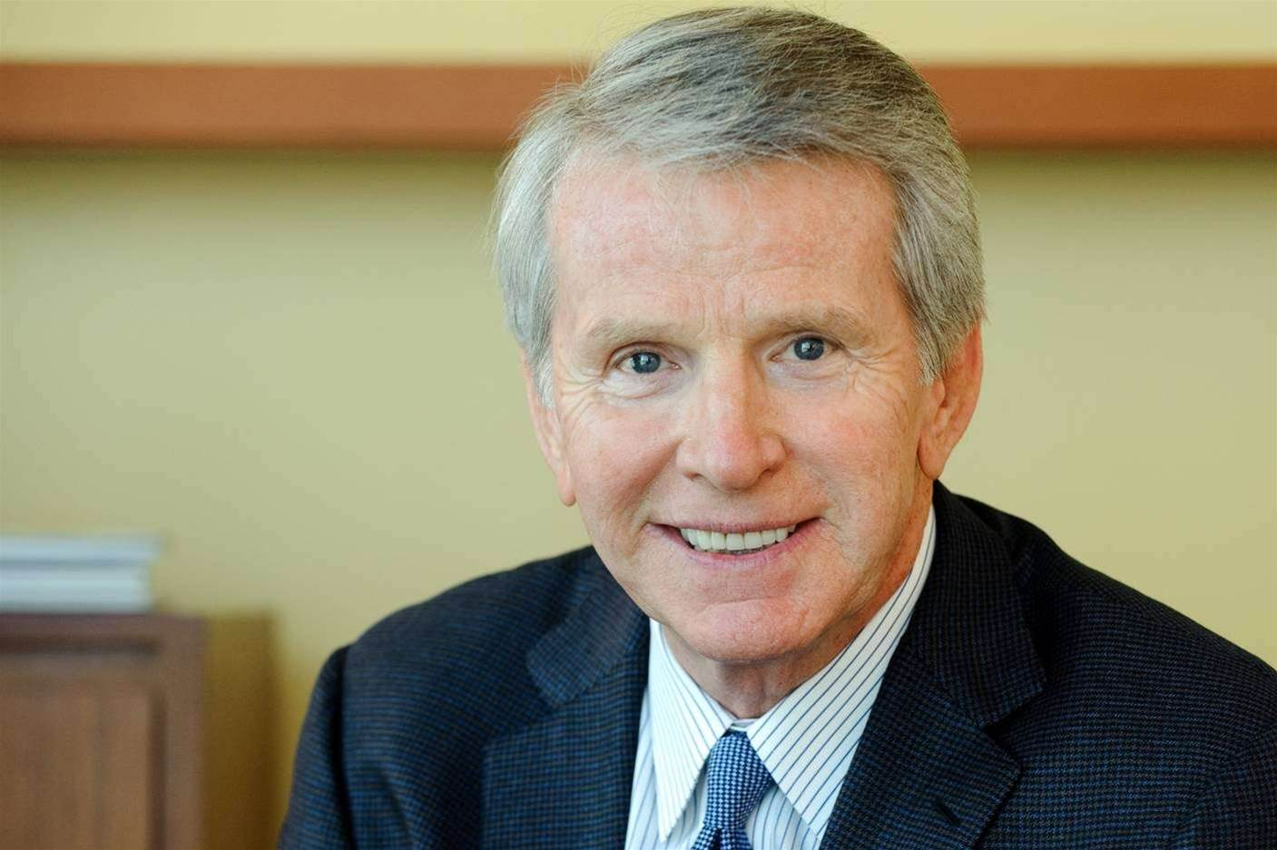 HP chairman Lane steps down