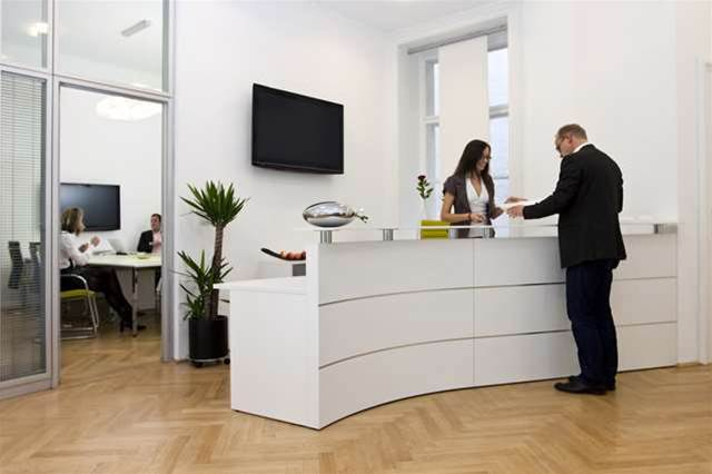 What's a virtual receptionist?