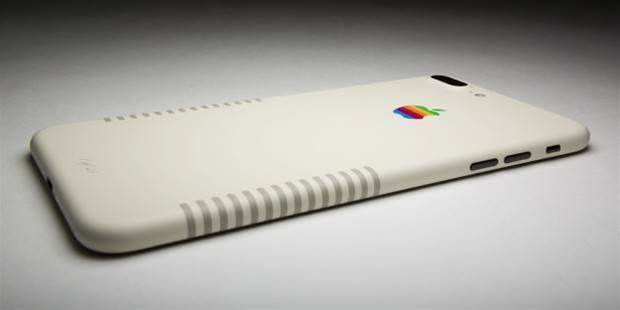 This iPhone 7 Plus looks like it time traveled from 1987