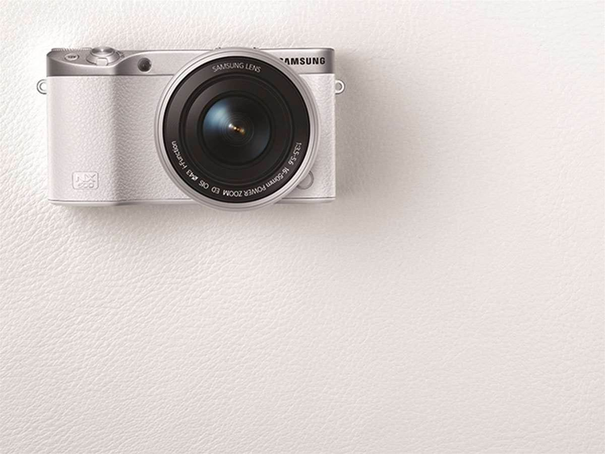 Samsung has squeezed all its camera knowhow into the tiny NX500