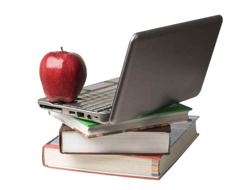 Victoria risks obsolete student laptops