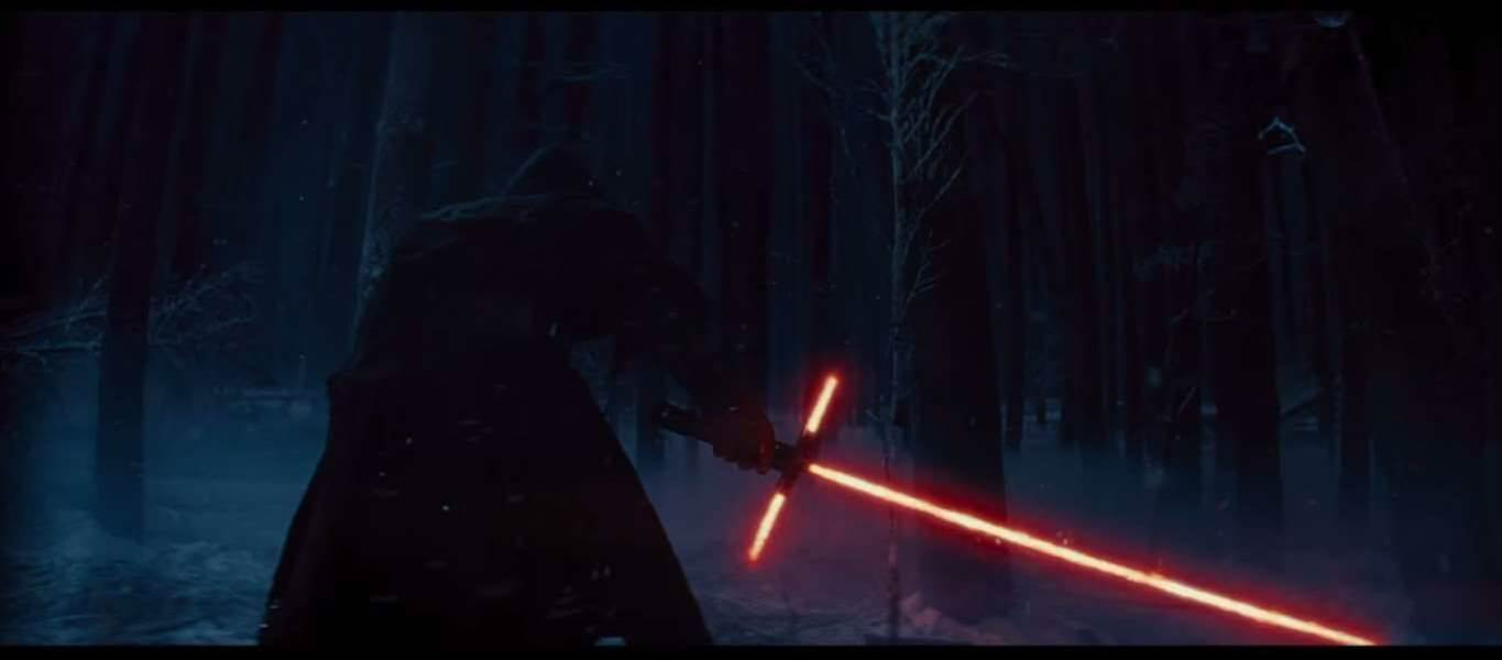 Real Swordsmen Weigh In On Star Wars's Weird Triple Lightsaber