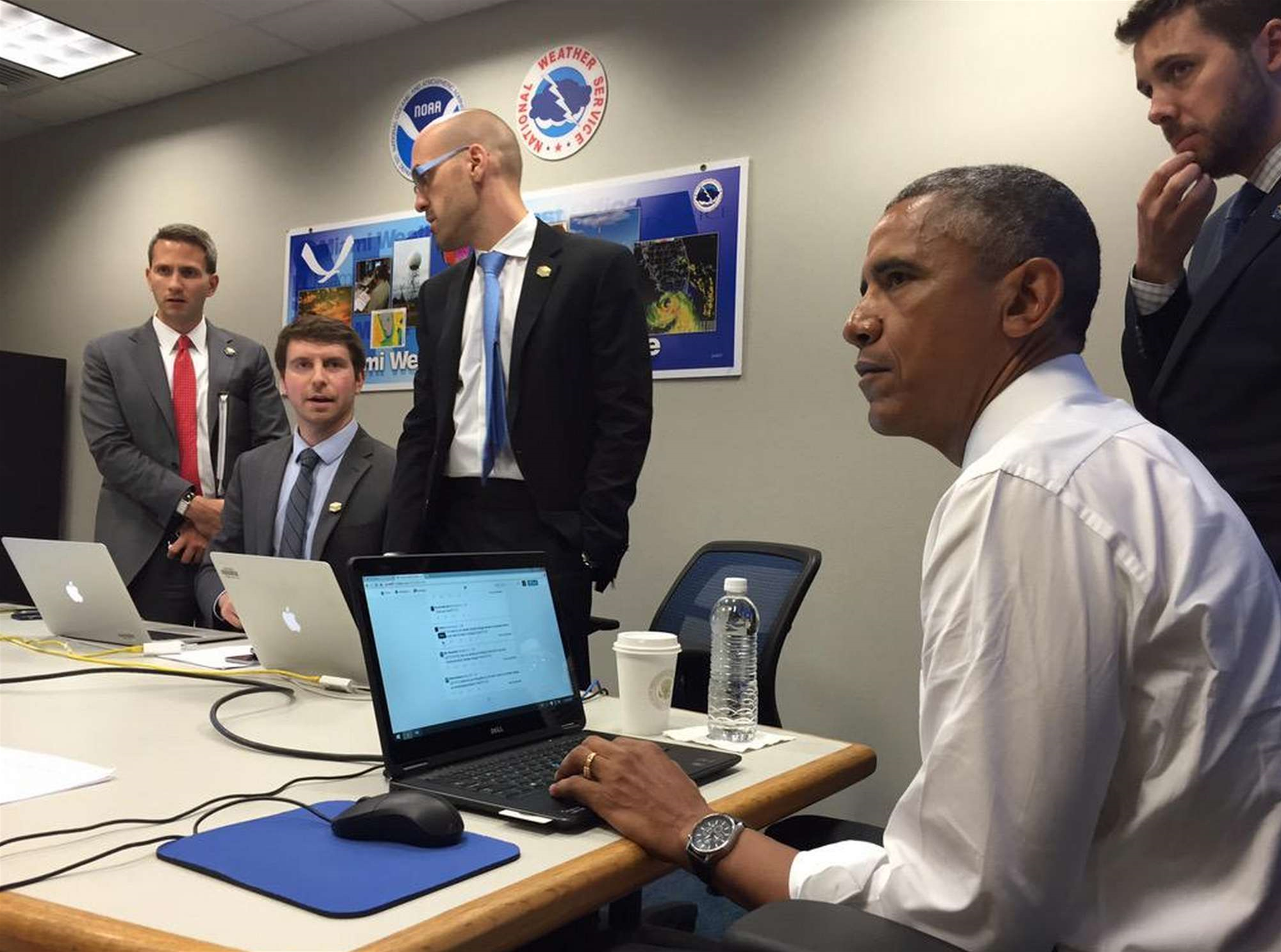 US President Obama Talks Climate Change and Basketball During Twitter Q&A