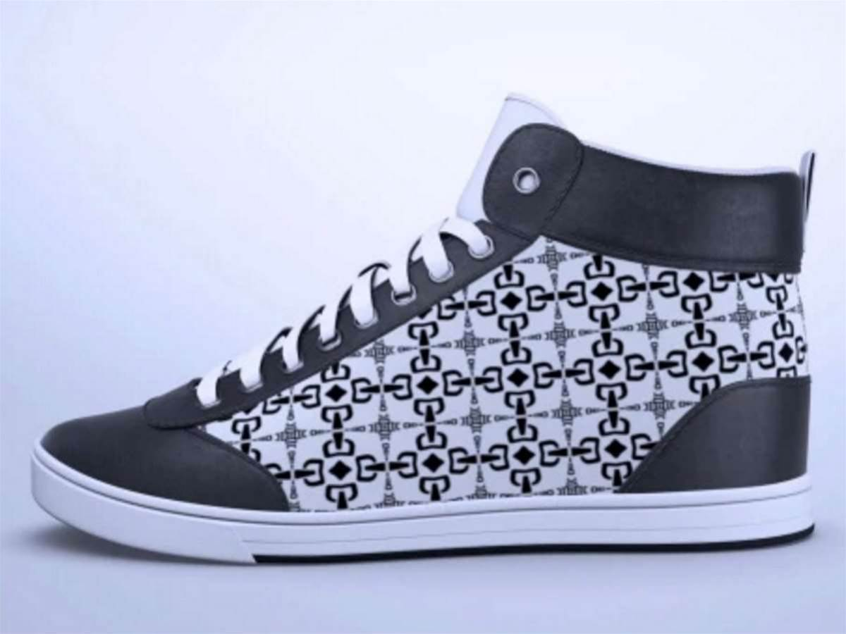 Animated e-paper sneakers hit Indiegogo