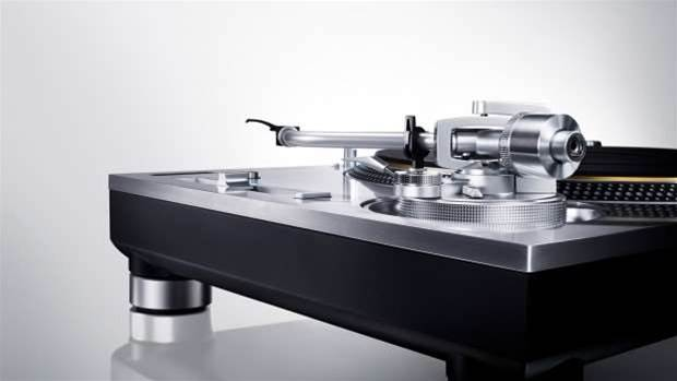 Technics and Sony bring vinyl back at CES 2016