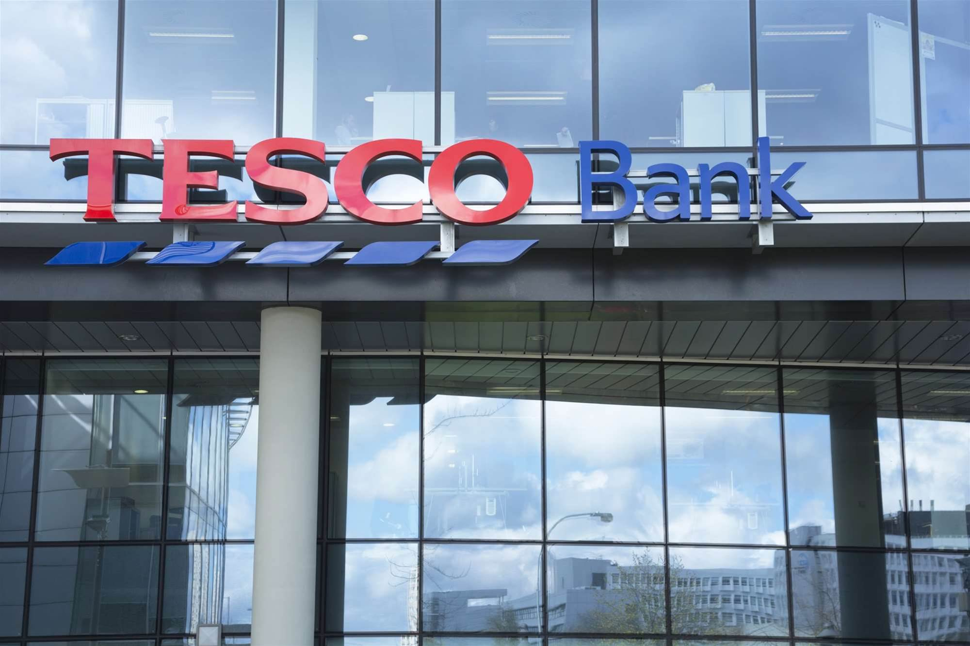 Thousands of UK online bank accounts raided