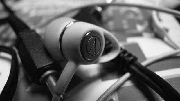 Intel explains why the 3.5mm headphone jack needs to die