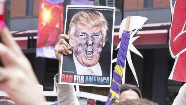 Anonymous threatens Donald Trump. Again