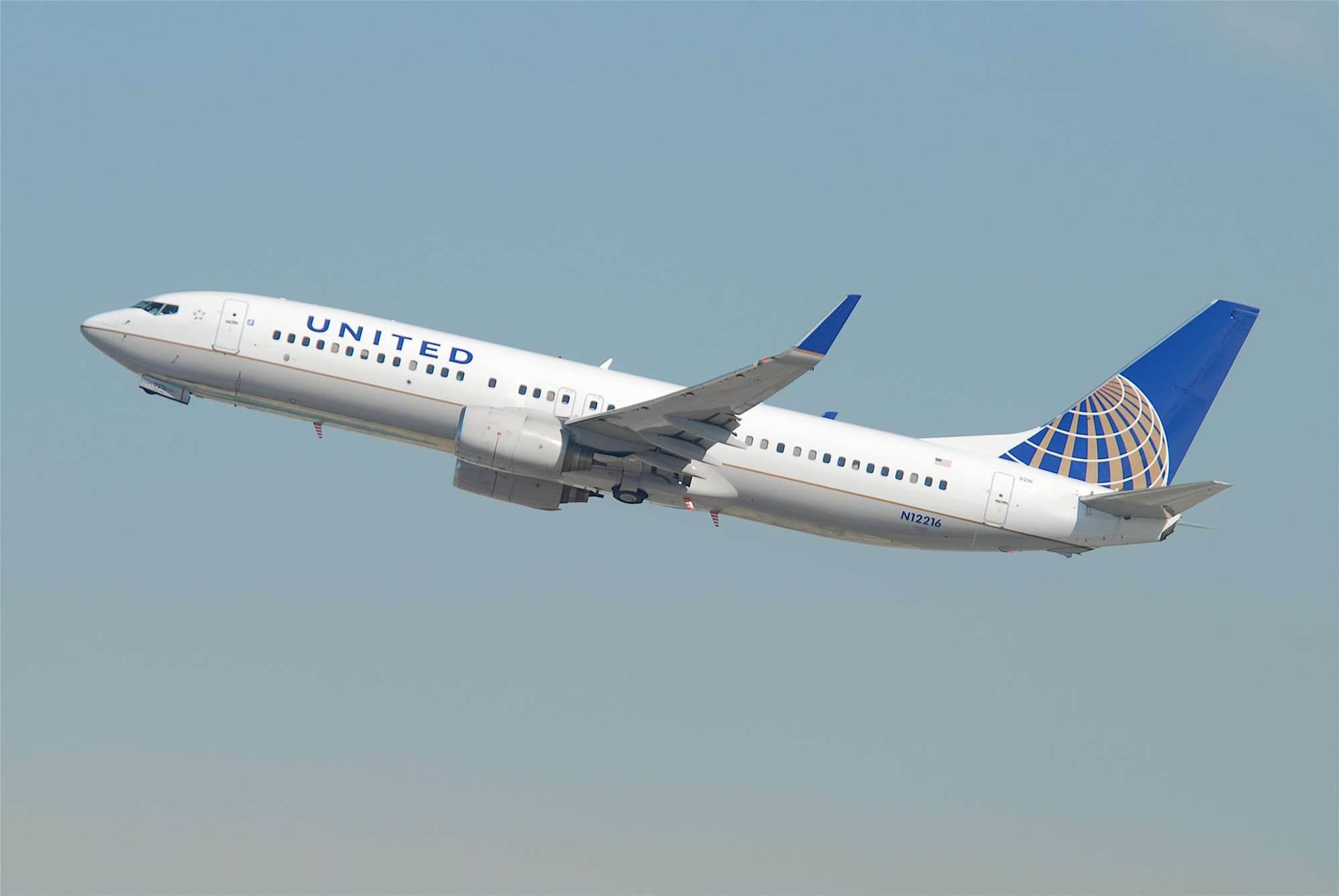 United Airlines to let travellers use miles for in-flight wi-fi