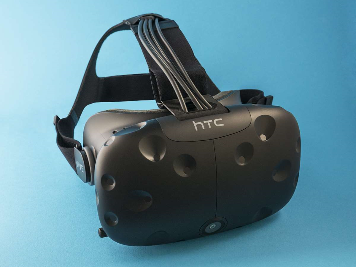 Vive iOS app lands, puts phone notifications into your virtual reality space