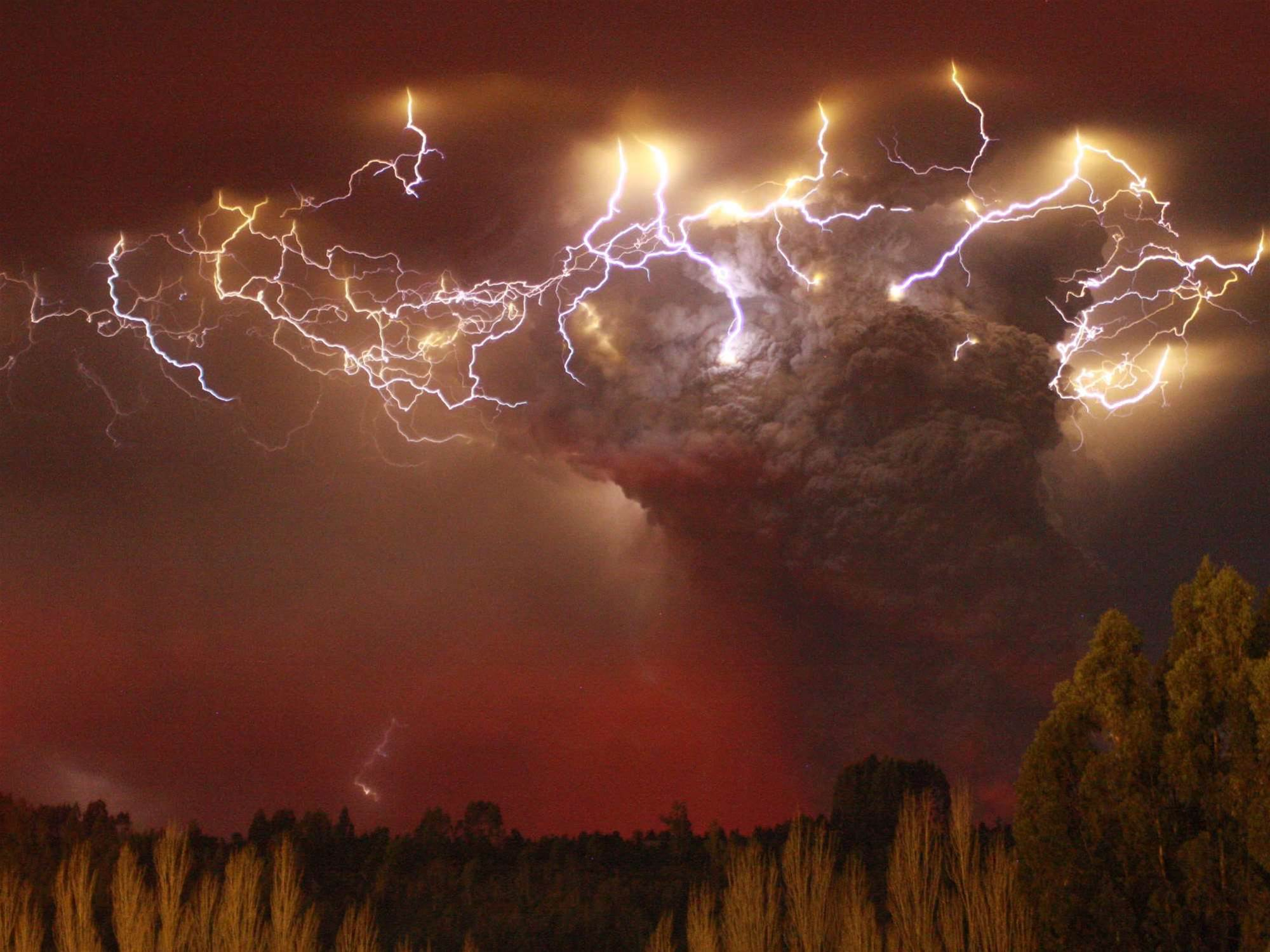 Where Does Volcano Lightning Come From?