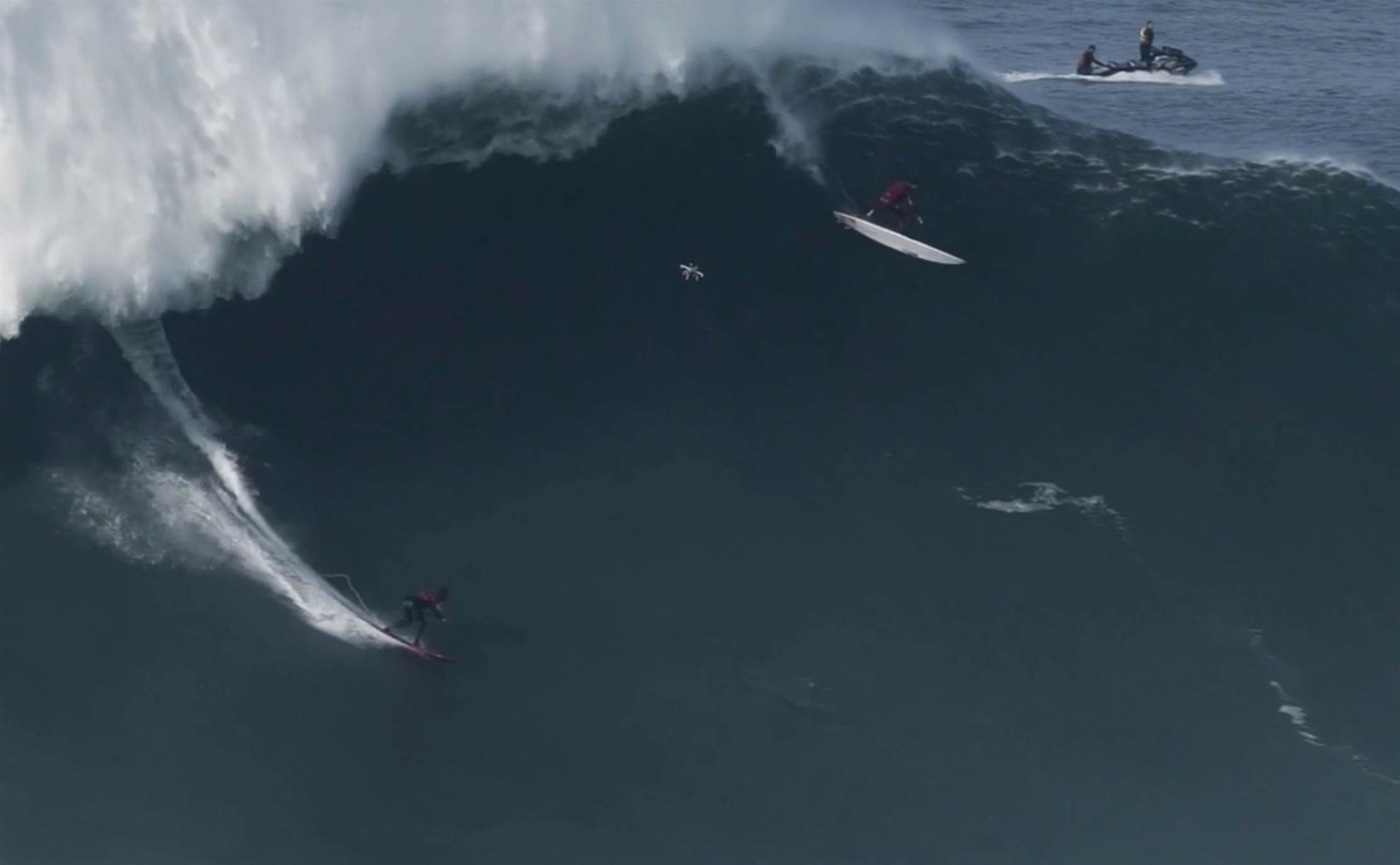 Dramatic Vision: Francisco Porcella's Horror Day At Nazaré