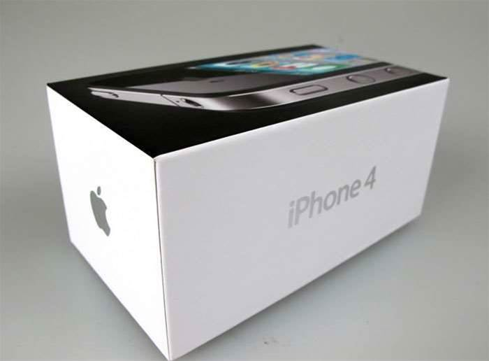 It's an iPhone 4, in a box. Okay, so it's a very stylish box, but why are you reading this instead of clicking on the next image?<p> Perhaps you need to know that it's 130mm x75mm x 63mm (W x D x H).<p>  Or perhaps you just like admiring that shiny silver iPhone 4 logo on the side, and Apple logo on the end?<p>  Enough, next image!<p> Photo: Zara Baxter/PC Authority