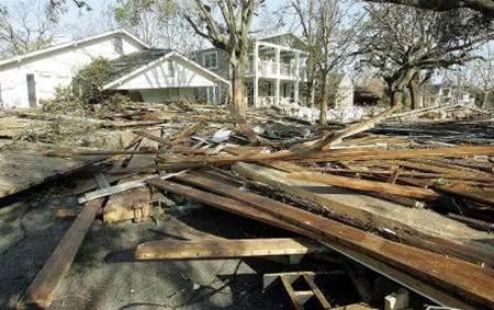 Phone networks struggle in Katrina's wake