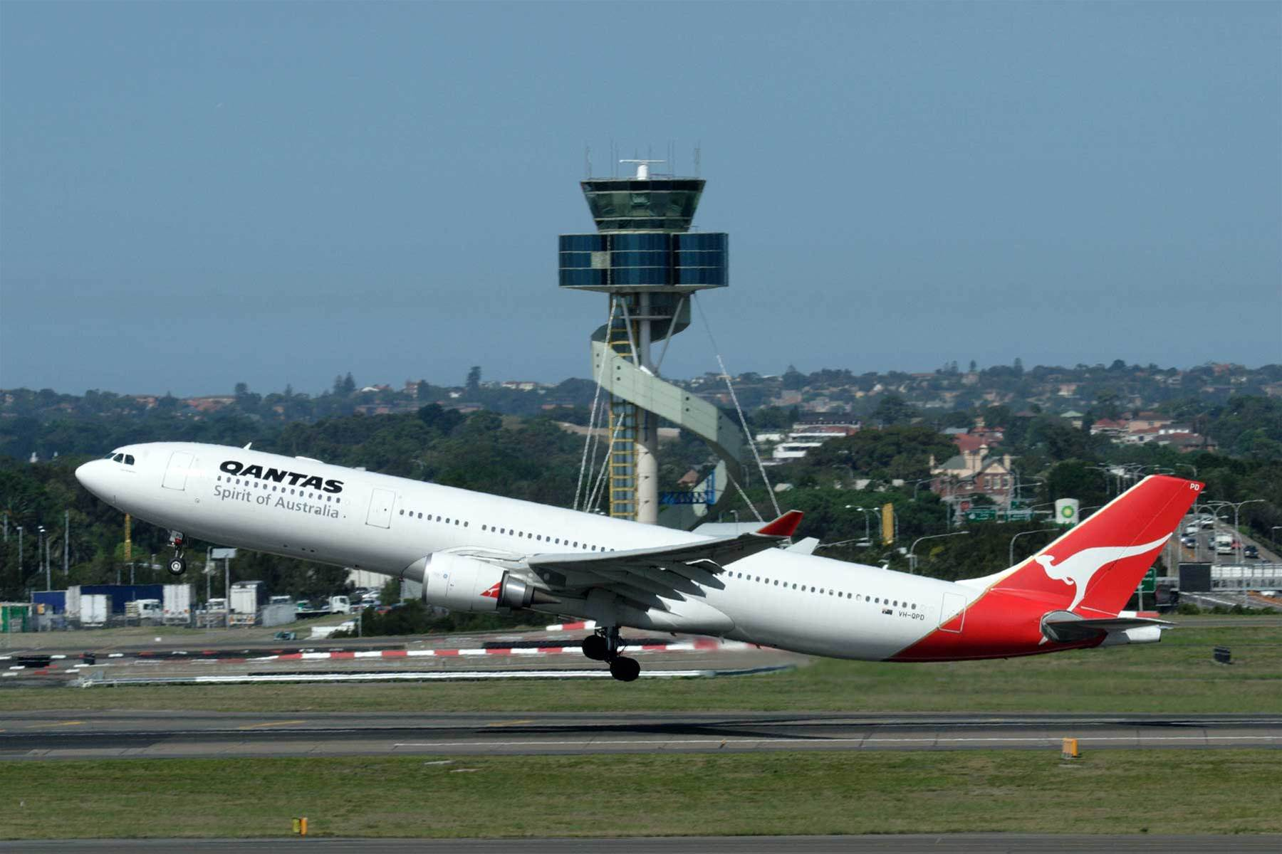 Qantas, Virgin prepare in-flight mobile service take-off