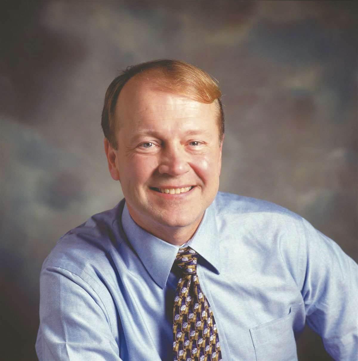 Cisco names Chambers next chairman