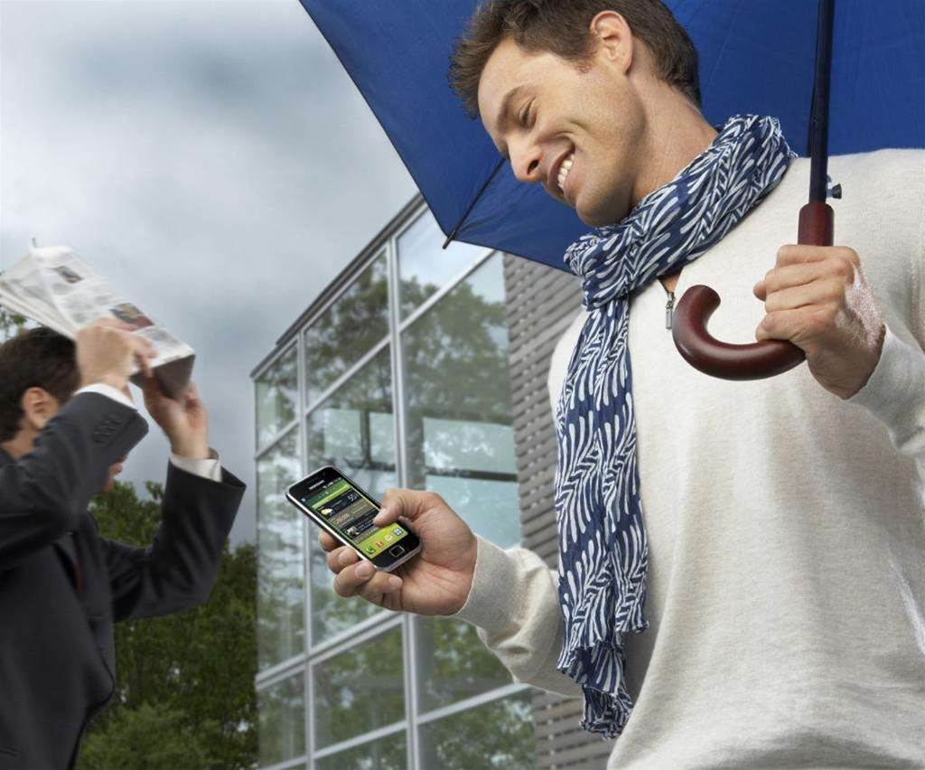 Telstra, Vodafone to sell Samsung Android phone