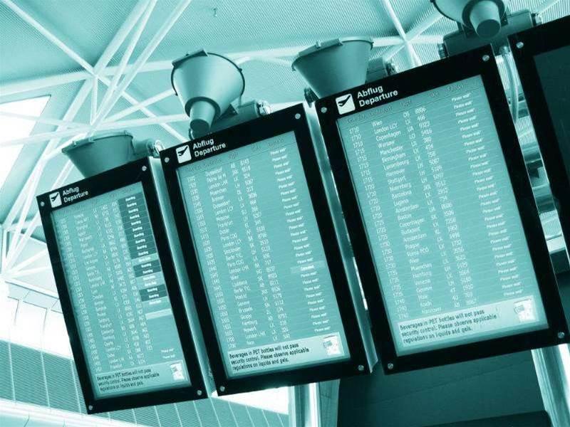 Server issue causes Qantas delay