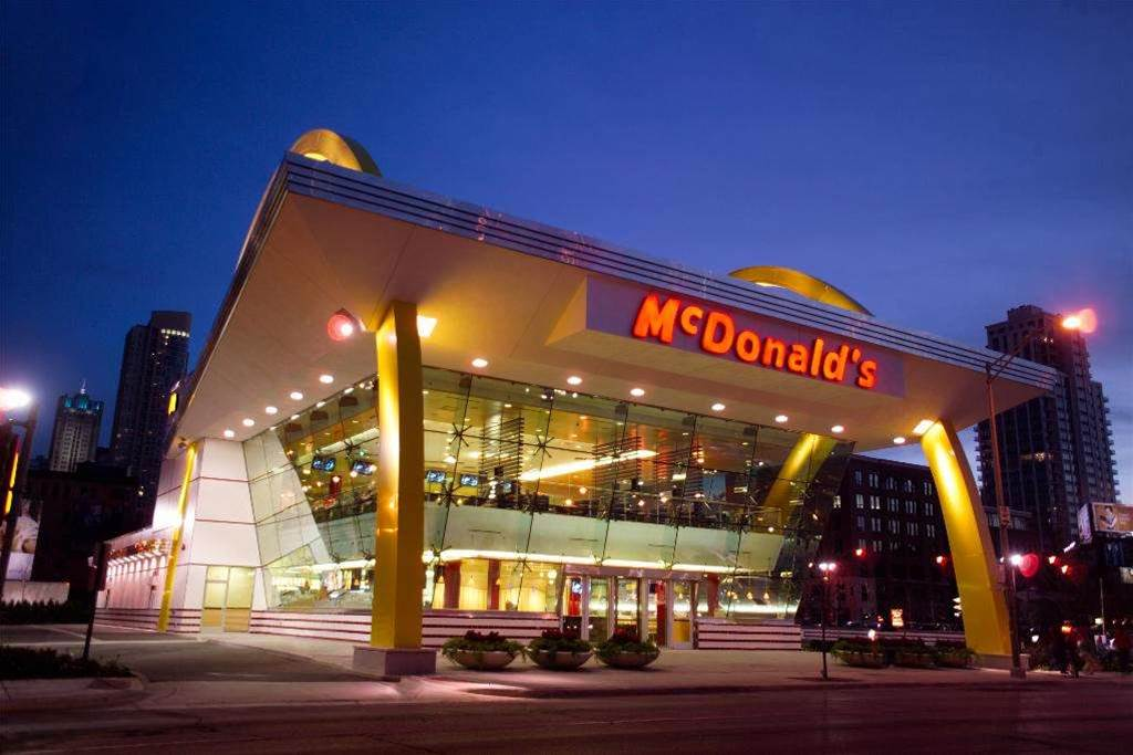 CeBIT09: McDonalds' free wifi users soak up seating