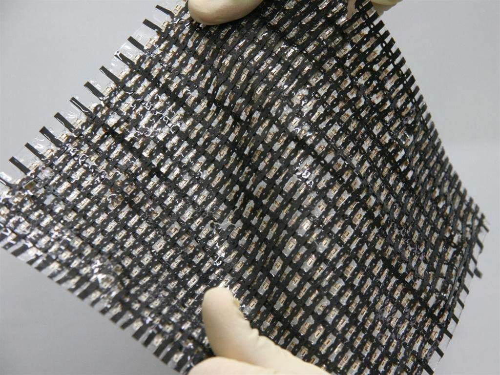 Researchers tout super-stretchy electronic material