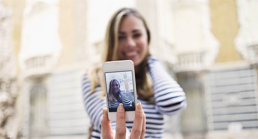 Is your selfie obsession affecting your health?