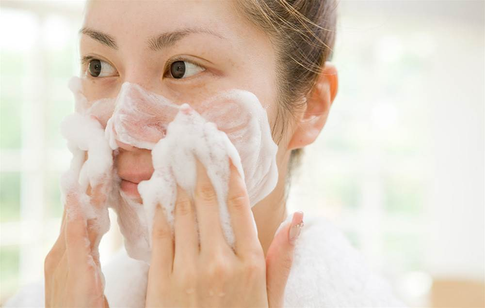 8 Surprising Cleansing Mistakes That Are Ageing Your Skin