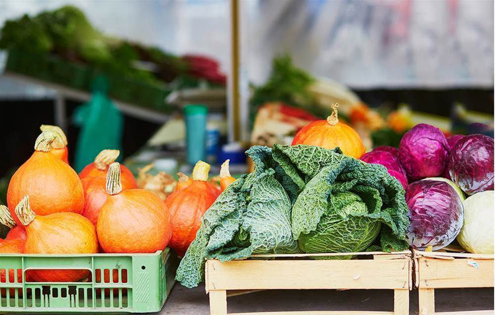 6 Things You Should Be Buying At The Farmers' Market But Aren't