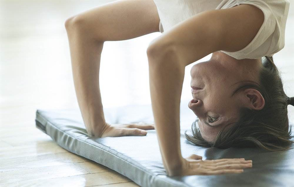 Can't Do A Headstand? This Move Is Way Easier And Gives You All The Same Health Benefits