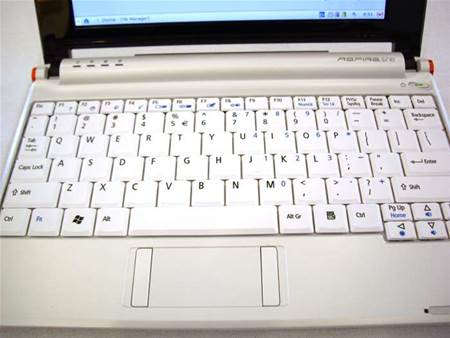 We can report the Aspire One keyboard does not induce RSI (well not in the 5 minutes we played with it)