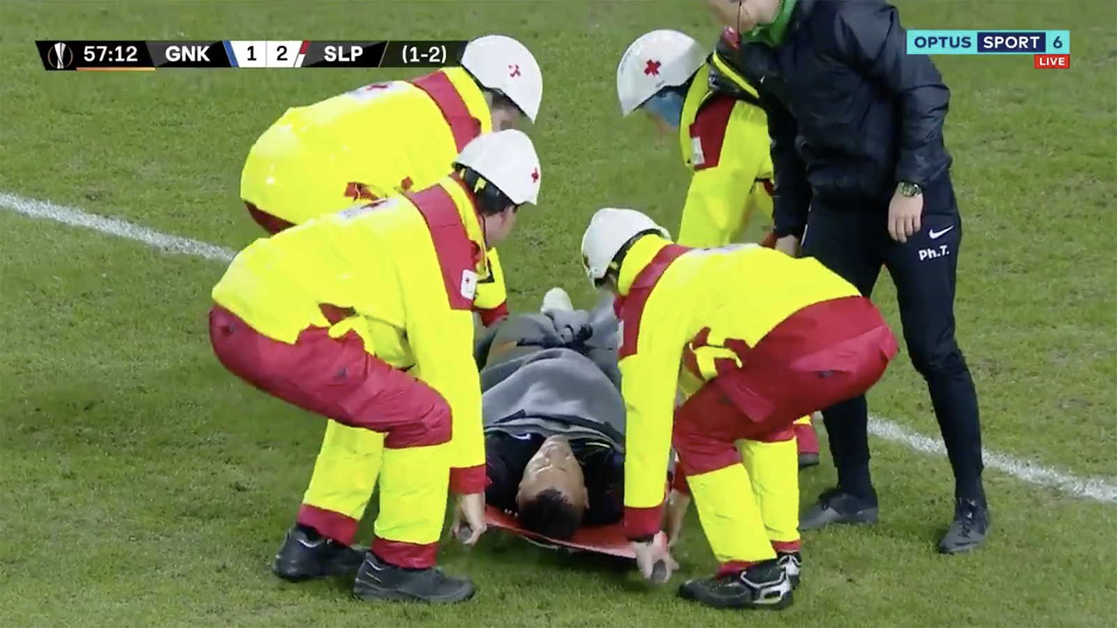 Watch! Horror injury for Vukovic