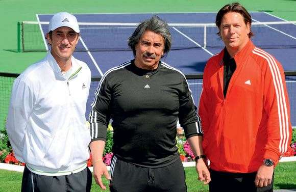 Darren Cahill Tennis instructor