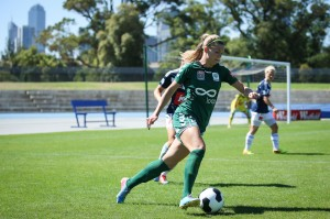 Stephanie Ochs playing for Canberra United | Credit: Emily Mogic / emilymogic.com