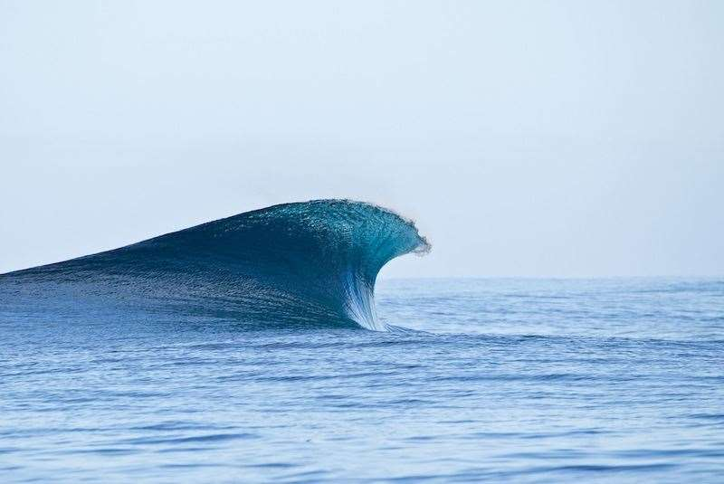 A simple wave, untouched and unsullied. Photo Joli
