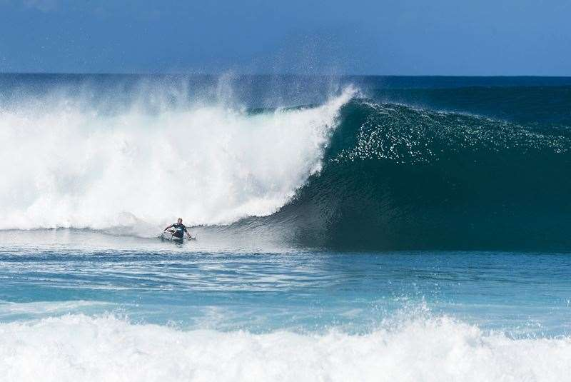 Mick Fanning + Pipe + Quad fin = World Title Photo Joli