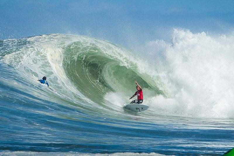 John John Florence combos Jadson Andre and moves into fifth place after taking the win at the Quiksilver Pro in barreling France. Photo: ASP/Poullenot