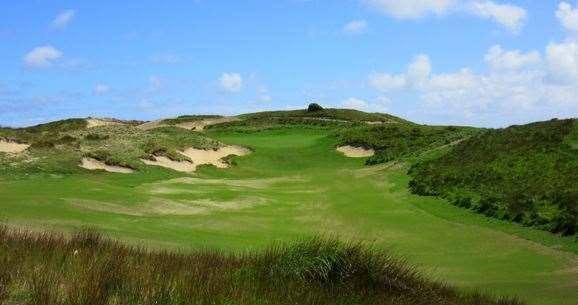 Ocean Dunes rolling par-5 18th hole