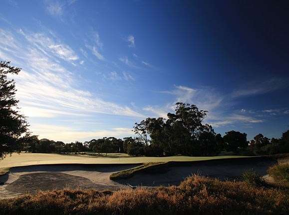 Melbourne's Sandbelt places eight iconic golf courses at your fingertips.