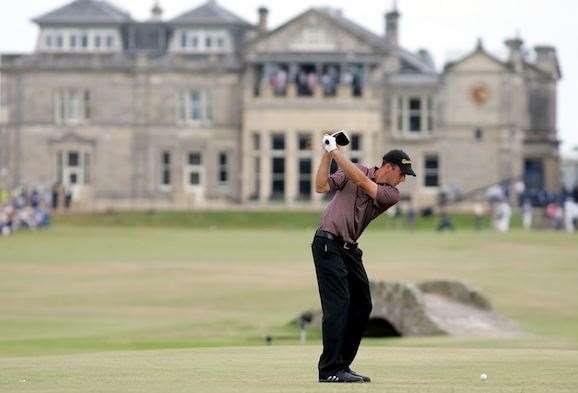 Geoff Ogilvy tees off on the 18th hole during the final round of the 134th Open in 2005. PHOTO: Richard Heathcote/Getty Images.