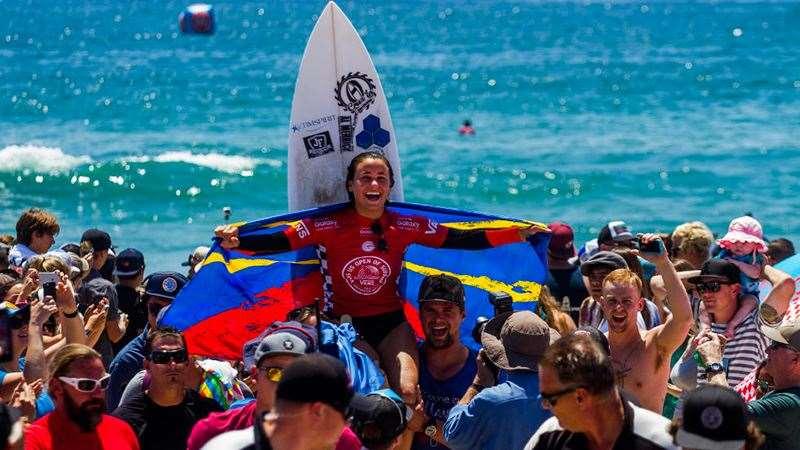 Johanne defay wins the vans us open of surfing tracks for Interieur sport johanne defay