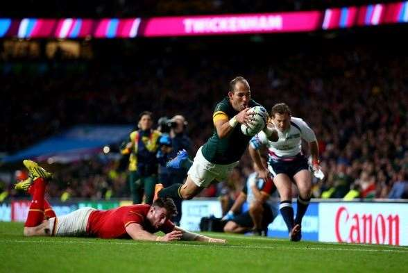 Fourie du Preez winning the quarter-final for the Springboks. (Photo by Getty Images)