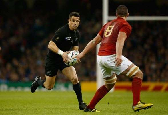Dan Carter terrorising the French defence. (Photo by Getty Images)