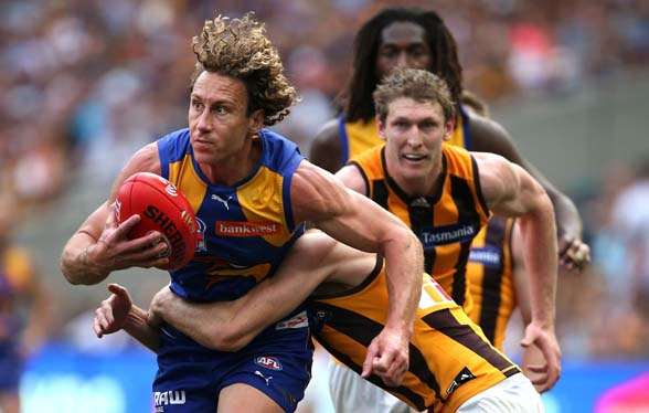 MELBOURNE, AUSTRALIA - OCTOBER 3: Matt Priddis of the Eagles in action during the 2015 Toyota AFL Grand Final match between the Hawthorn Hawks and the West Coast Eagles at the Melbourne Cricket Ground, Melbourne, Australia on October 3, 2015. (Photo by Adam Trafford/AFL Media/Getty Images)