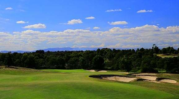 The par-4 7th hole tumbles downhill towards a green that welcomes bouncing approach shots – if they're well judged.