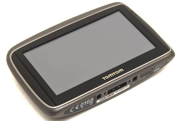 tomtom 39 s go 750 live still among the best gps devices you can buy gps pc tech authority. Black Bedroom Furniture Sets. Home Design Ideas