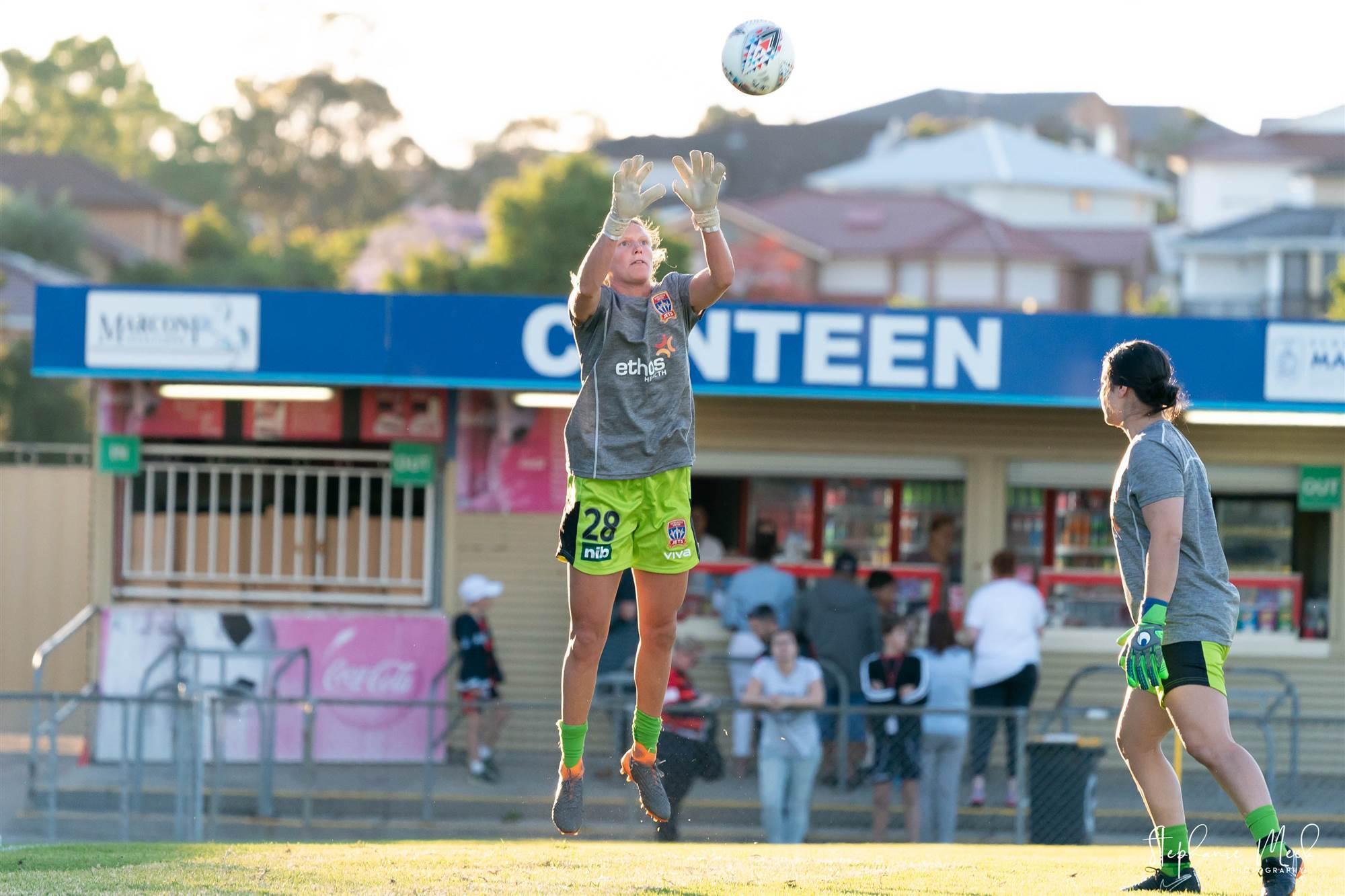 175dcd79 W-League action: Western Sydney Wanderers v Newcastle Jets pics ...