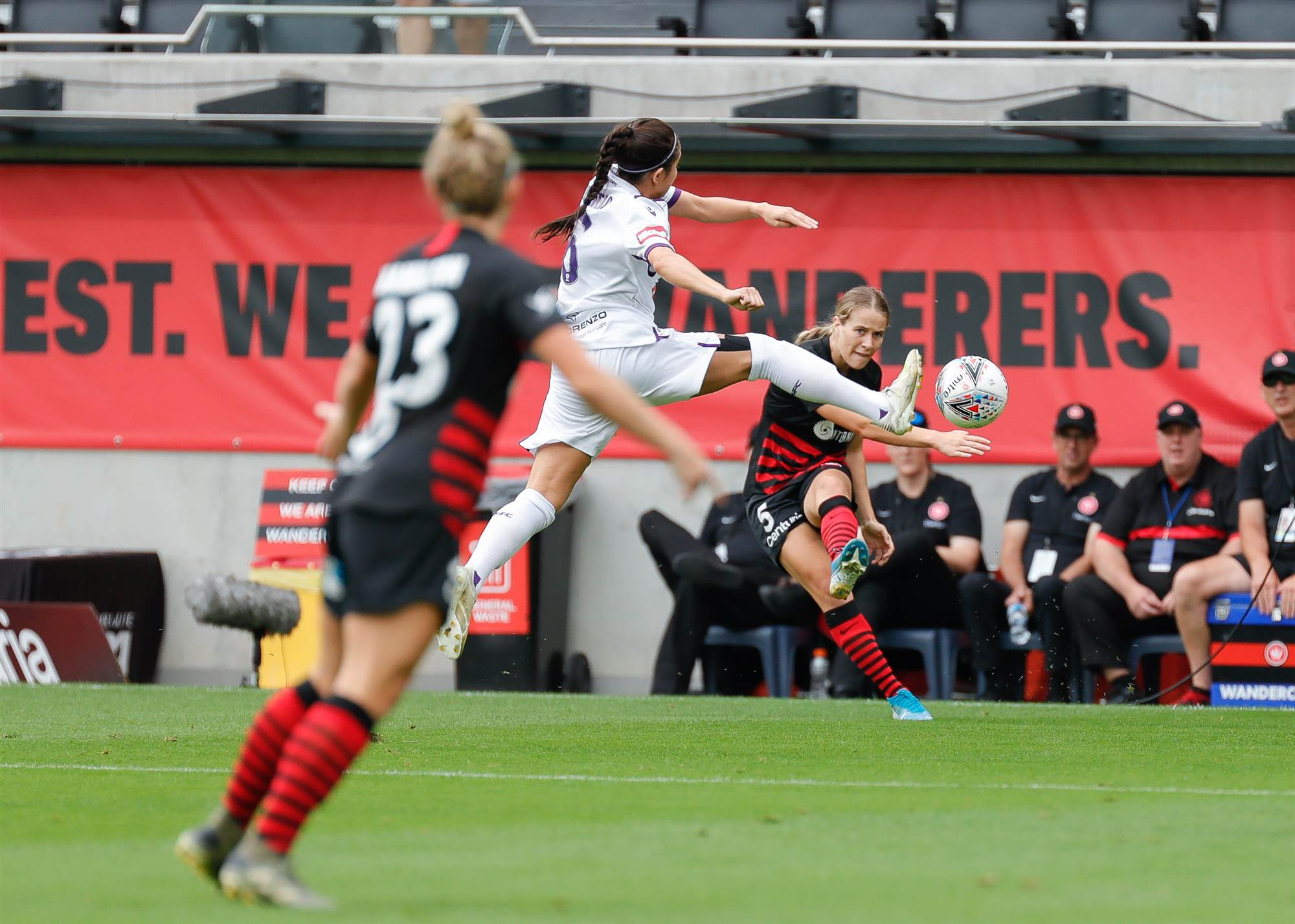 Awesome Sideline Gallery: Western Sydney Wanderers vs Perth Glory