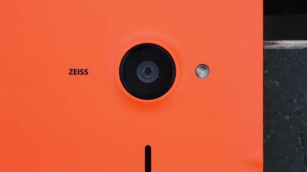 Microsoft Lumia 640 XL review: Camera lens closeup