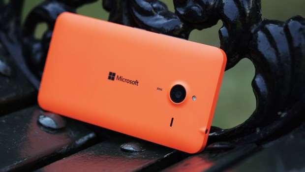 Microsoft Lumia 640 XL review: Rear side view